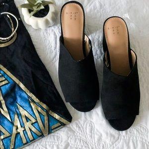 Shoes - Open Toe Pump Mules